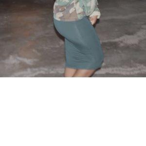 Dresses & Skirts - Hunter Green Midi Fitted Skirt